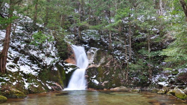 寂地峡五竜の滝