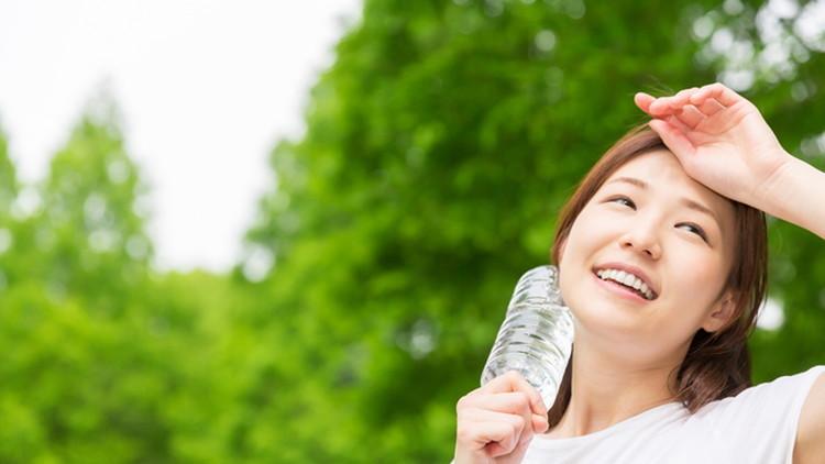 水を飲むだけ超かんたん!美容・ダイエットへもたらす効果を紹介